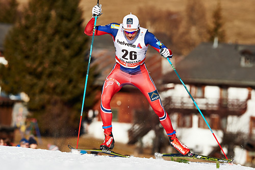 Niklas Dyrhaug er først ut i sprintprologen fredag. Her er han i aksjon på sprinten i Val Müstair, tredje etappe av Tour de Ski forrige vinter. Foto: Felgenhauer/NordicFocus.