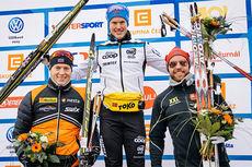 Topptrioen i Jizerska Padesatka 2015. F.v. Petter Eliassen (2), Morten Eide Pedersen (1) og Tord Asle Gjerdalen (3). Foto: Magnus Östh/Swix Ski Classics.