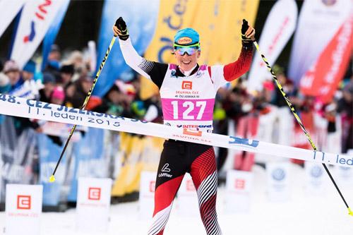 Katerina Smutna inn til seier i Jizerska Padesatka 2015. Foto: Magnus Östh/Swix Ski Classics.