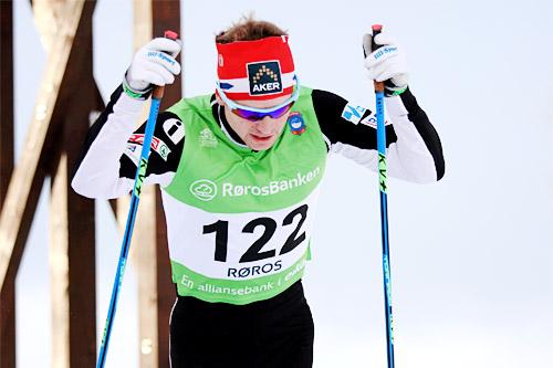 Sjur Røthe på god vei mot 3. plass på 15 km fri under Ski-NM på Røros 2015. Foto: Geir Nilsen/Langrenn.com.