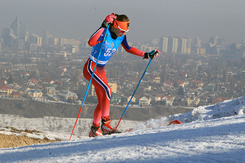 Sofie Nordsveen Hustad ute på 5 kilometer fristil under Junior-VM i Almaty 2015, der hun ble beste norske løper med sin fjerdeplass. Foto: Erik Borg.