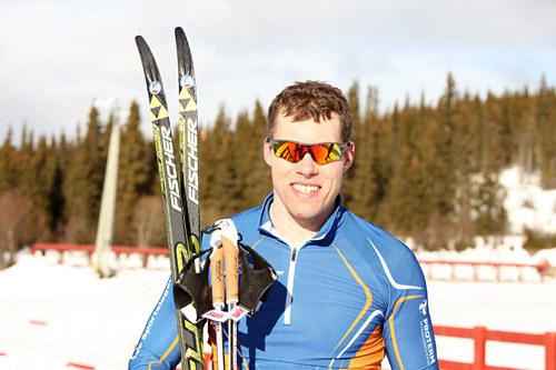 Jonas Nielsen etter å ha vunnet langløpet Mellerunden 2015. Arrangørfoto.
