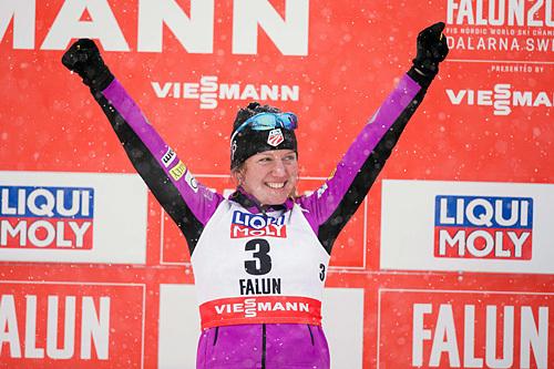 Caitlin Gregg gikk fra et tidlig startnummer inn til en svært overraskende tredjeplass på 10-kilometeren under VM i Falun 2015. Lørdag ble det seier i American Birkebeiner. Foto: NordicFocus.