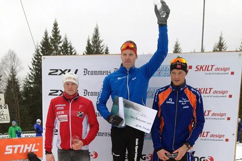 Seierspallen for herrer i Montebellorennet 2015. Fra venstre: Joar Thele (2.-plass), Jonas Nielsen (1) og Håvard Nygaard (3). Arrangørfoto.