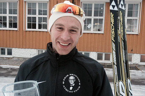 John Christian Deighan Hanssen etter seieren i Moraløpet 2015, hans fjerde strake. Foto: Gjermund Aasbrenn.