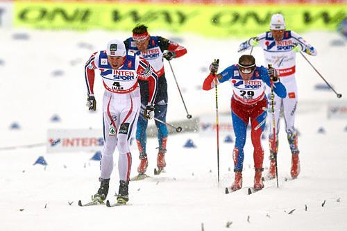 Spurten etter 50-kilometeren under VM i Falun 2015, der Petter Northug slår Lukas Bauer (2.-plass), Johan Olsson (3) og Maxim Vylegzhanin (4). Foto: NordicFocus.