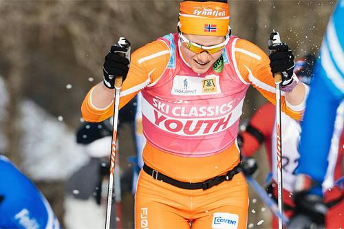 Tone Sundvor vant ungdomstrøya for Team Synnfjell forrige sesong. Her i aksjon under Vasaloppet, der hun ble nummer 15. Foto: Magnus Östh/Swix Ski Classics.