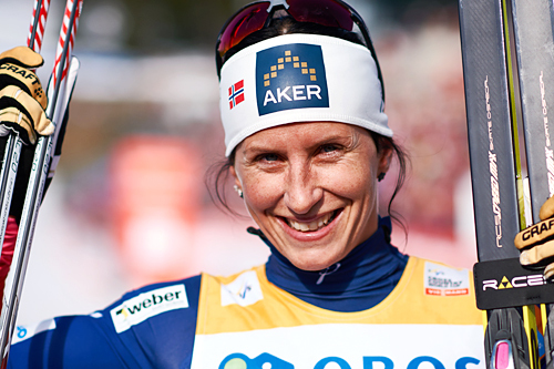 Marit Bjørgen vant 30 km fellesstart i fri teknikk under verdenscupen i Holmenkollen 2015. Foto: Felgenhauer/NordicFocus.