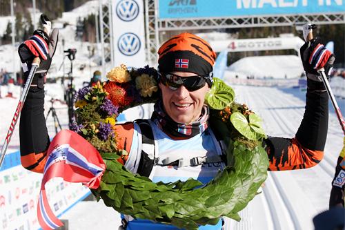 Petter Eliassen gikk inn til en gnistrende og rekordrask seier i Birkebeinerrennet 2015 og han vant også Vasaloppet samt Ski Classics sammenlagt. Foto: Geir Nilsen/Langrenn.com.