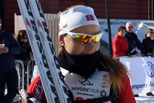Anne Vatnedalen, vinner av dameklassen i Hovdentour 2015. Arrangørfoto.
