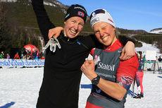 Søstrene Silje (t.v.) og Kari Øyre Slind endte på femteplass på NM-lagsprinten i Harstad 2015. Foto: Erik Borg.