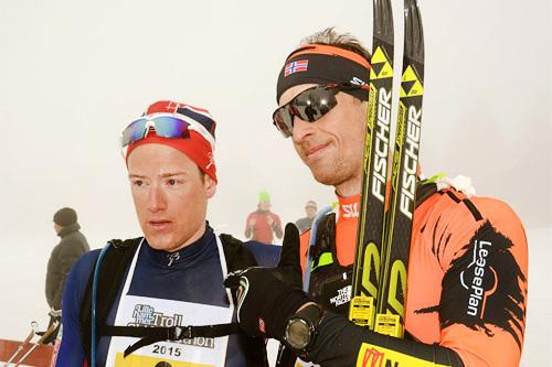 Kjetil Hagtvedt Dammen nærmest kamera etter å ha vunnet det 120 km lange Lillehammer Troll Ski Marathon foran Øyvind Moen Fjeld. Arrangørfoto.