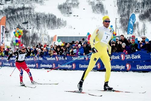 Chris Jespersen avgjør Haukelirennet 2015 rett foran Sjur Røthe. Foto: Magnus Tjønn.