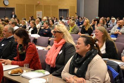 Blide foreldre på Foreldrekonferansen 2014