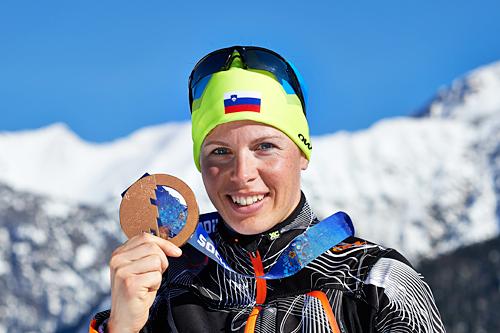 Vesna Fabjan med OL-medalje fra OL Sotsji 2014. Foto: NordicFocus.