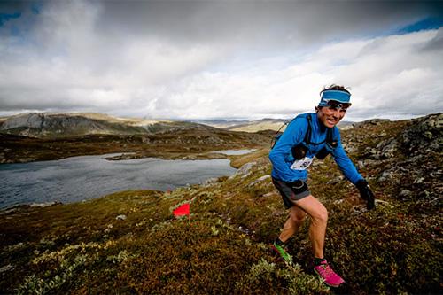Trollheimen Fjellmaraton i fantastiske omgivelser. Ola Hovdenak på bildet ble nummer to. Foto: Martin I Dalen