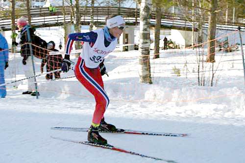 Karoline Simpson-Larsen på vei mot gull i Nordisk juniorlandskamp i svenske Örnsköldsvik 2015. Foto: Kristian Nordlunde.