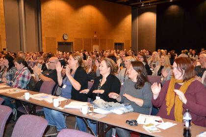 Publikum klapper Foreldrekonferansen 2015