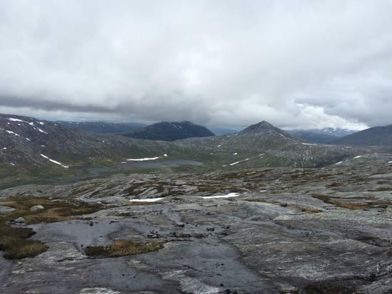 Ned mot Jamtfjelltjønnene