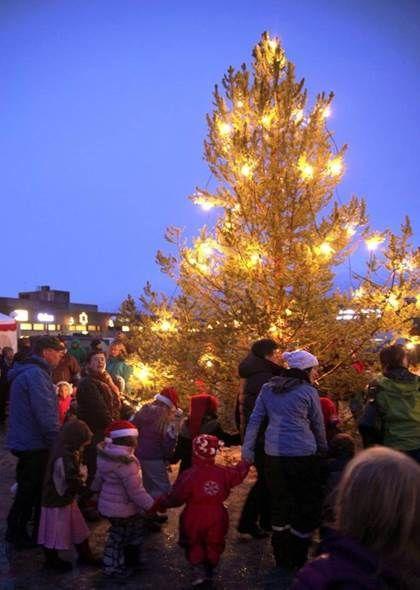Juletreåpning i Lakselv. Foto: Jan Henrik Hætta