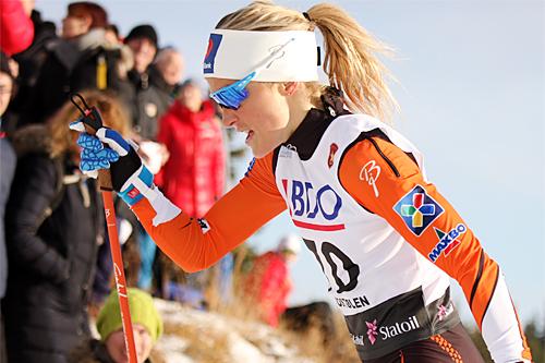 Therese Johaug på vei mot suveren seier på 7,5 km i klassisk stil under Beitosprinten 2015. Foto: Geir Nilsen/Langrenn.com.