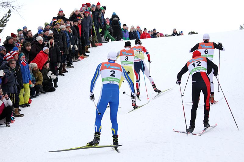 Bildet lyver litt, for dette er egentlig ikke rolig langtur og sone 1, men akkurat på dette tidspunktet under fellesstarten i NM på Røros 2015 var tempoet i teten svært så behagelig. Foto: Geir Nilsen/Langrenn.com.