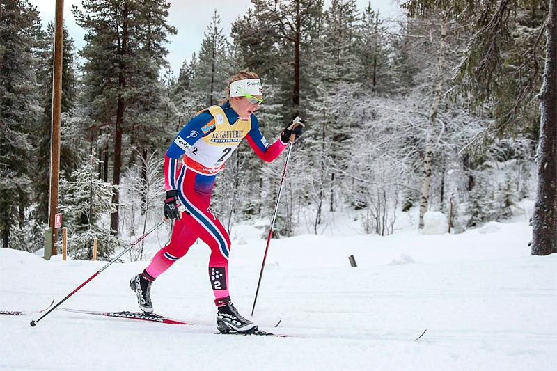 Ingvild Flugstad Østberg jager mot pallplass under minitouren i Kussamo 2015. Foto: Modica/NordicFocus.