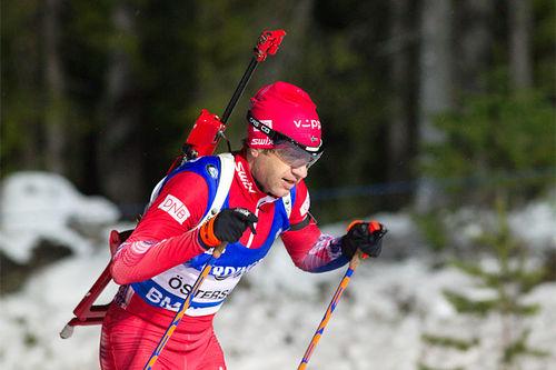 Ole Einar Bjørndalen på vei mot sin 95. verdenscupseier på 20 km i Östersund 2015. Foto: Manzoni/NordicFocus.
