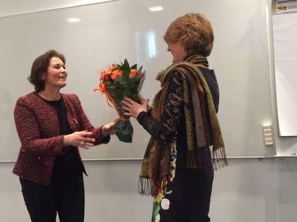 Birgitte Jordahl takker av Elisabeth Strengen Gundersen