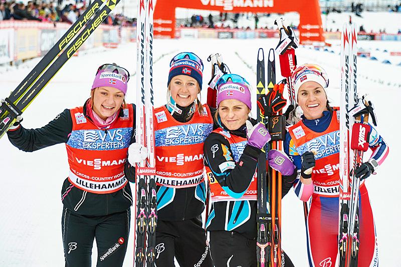 De norske stafettjentene som vant i verdenscupen på Lillehammer 2015. Fra venstre: Maiken Caspersen Falla (1. etappe), Ingvild Flugstad Østberg (2), Therese Johaug (3) og Heidi Weng (4). Foto: Modica/NordicFocus.