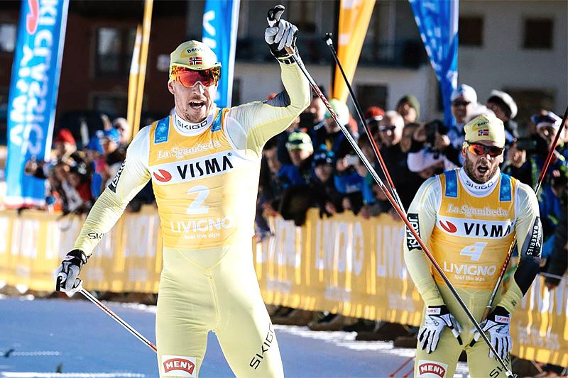 John Kristian Dahl inn til seier i La Sgambeda 2015. Lagkamreat Johan Kjølstad (t.h.) ble nummer 3. Foto: Magnus Östh/Visma Ski Classics.