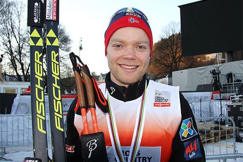 Eirik Brandsdal smiler etter å ha vunnet verdenscupsprinten i Drammen 2015. Foto: Geir Nilsen/Langrenn.com.