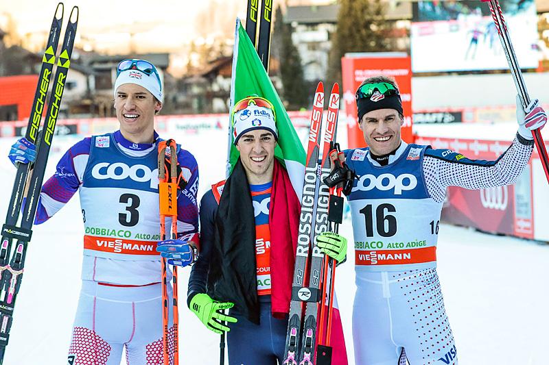 De beste herrene på herrenes verdenscupsprint i Toblach 2015 var (fra venstre) Andrew Young (3.-plass), Federico Pellegrino (1) og Simeon Hamilton (2). Foto: Modica/NordicFocus.