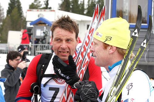 Erling Jevne, til venstre, og Bjørn Dæhlie etter målgang i Birkebeinerrennet et tidligere år. Foto: Geir Nilsen/Langrenn.com.