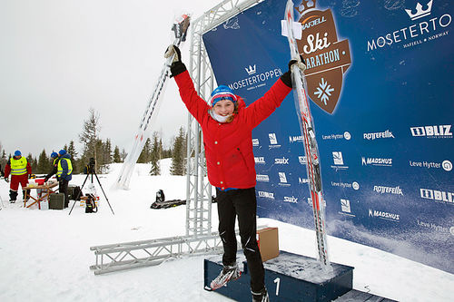 Vinner av Redline-pakke i Hafjell Ski Marathon 2015, Mathilde Lindblad. Foto: Geir Olsen.