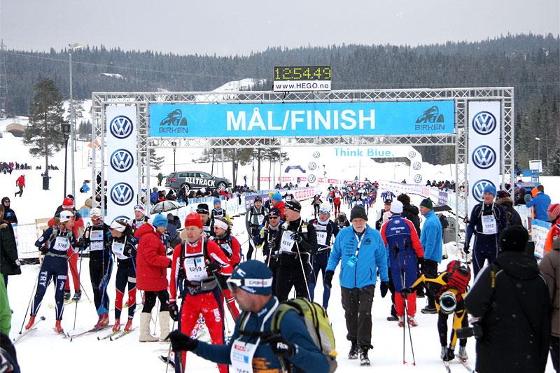 Birkens målstrek ved Lillehammer. Foto: Geir Nilsen/Langrenn.com.