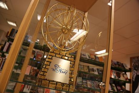 trofeet arctic race - plassert i monter i biblioteket