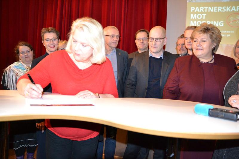 FUG-leder i panel signerer Partnerskap mot mobbing