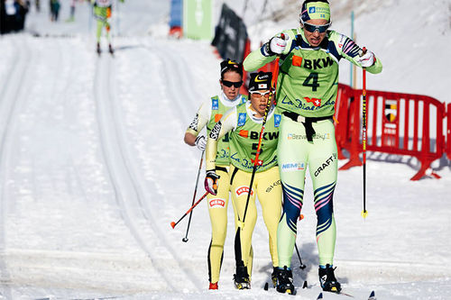Underveis i La Diagonela. I rekkefølge på bildet, Lina Korsgren (4. plass), Masako Ishida (8) og Astrid Øyre Slind (6). Foto: Magnus Östh/Visma Ski Classics.
