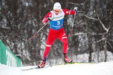 Finn Hågen Krogh ute i prologen til NM-sprinten i Tromsø 2016. Der endte han på 17. plass etter å ha trøblet med løypevalg underveis. Senere tok han gull i finalen. Foto: Erik Borg.