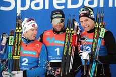 Seierspallen etter herrenes skiathlon under NM i Tromsø 2016 besto av (f.v.) Sjur Røthe (2.-plass), Petter Northug (1) og Niklas Dyrhaug (3). Foto: Erik Borg.