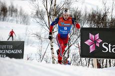 Simen Hegstad Krüger ute på fellesstarten med skibytte under NM i Tromsø. Han ble til slutt nummer 6. Foto: Erik Borg.