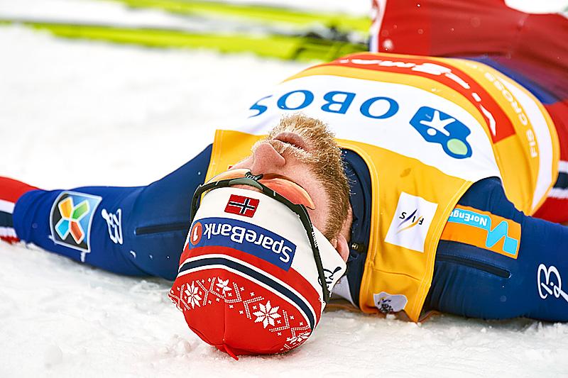 En sliten Martin Johnsrud Sundby etter at han ble nummer 5 på 10 kilometer klassisk under verdenscupen i Falun 2016. Foto: Felgenhauer/NordicFocus.