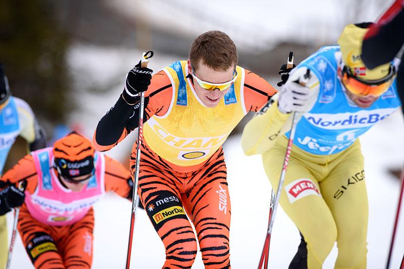Petter Eliassen midt i bildet på vei mot seier i Kaiser Maximilian Lauf og Visma Ski Classics renn nr. 6 i 2015/2016-sesongen. Rett foran Johan Kjølstad, mens bak følger Stian Hoelgaard. Foto: Rauschendorfer/NordicFocus.