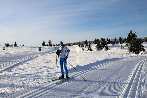Morten Eide Pedersen tester løypa til Hafjell Ski Marathon en tidligere vinter. Arrangørfoto.