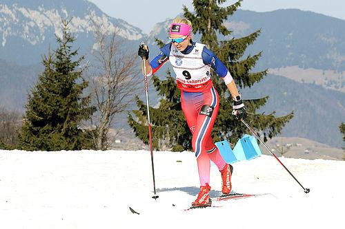 Marte Mæhlum Johansen på vei mot gull på 5 km klassisk under Junior-VM i Rasnov 2016. Foto: Erik Borg.