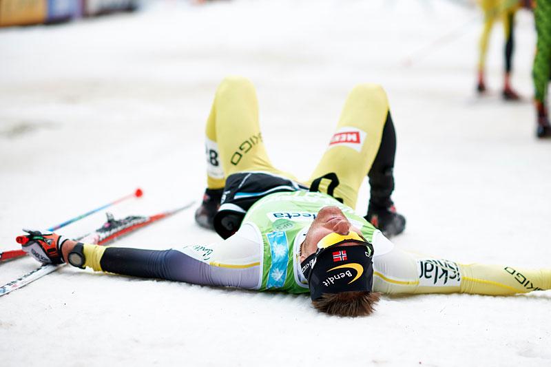 Øystein Pølsa Pettersen sparer ikke på noe når han aksler startnummer, og i Vasaloppet 2015 tok han i kjent stil ut alt. Foto: Felgenhauer/NordicFocus.