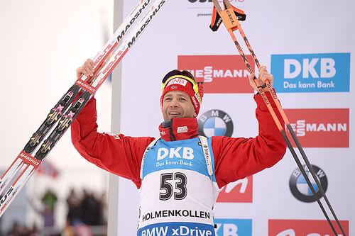 Ole Einar Bjørndalen jubler over 2. plass og sølvmedalje på sprinten under verdensmesterskapet i skiskyting 2016. Foto: Tumashov/NordicFocus.