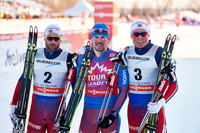 Seierspallen på 4. etappe i Ski Tour Canada 2016. Fra venstre: Petter Northug (2. plass), Sergey Ustiugov (1) og Emil Iversen (3). Foto: Felgenhauer/NordicFocus.