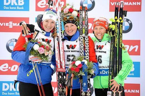 Seierspallen på damenes normaldistanse under VM i Oslo 2016. Fra venstre: Anais Bescond (2.-plass), Marie Dorin Habert (1) og Laura Dahlmeier (3). Foto: NordicFocus.